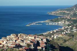 Sparisce la sabbia all'ingresso del Porto di Cetraro: un miracolo di Natale o… di Photoshop?