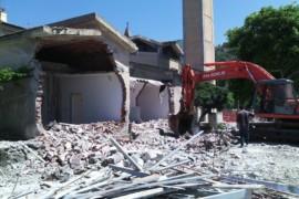 """""""Casa canonica. Al via la demolizione"""""""