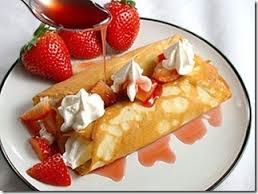 Crepes dolci ripiene alle fragole