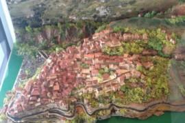 Il museo civico ha una nuova opera d'arte: il plastico del vecchio abitato di Cetraro