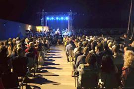 Cetraro, ieri il concerto di Nino Buonocore