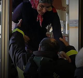 Cetraro: la Befana si fa aiutare dai Vigili del fuoco…