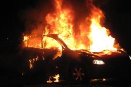 Cetraro, incendiata l'auto della famiglia del vice sindaco Angilica