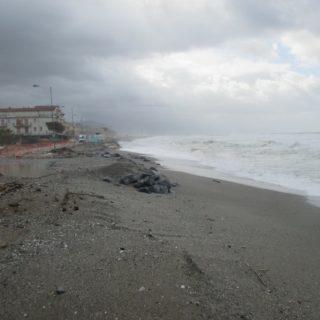Mareggiata a Cetraro, anche a Lampetia la situazione è drammatica