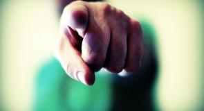 Sospensione pagamenti stipendi impiegati comunali: di chi è la colpa?